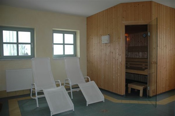 die hauseigene Sauna im Kellergeschoss, ebenfalls steht ein Tischtennisraum zur freien Verfügung