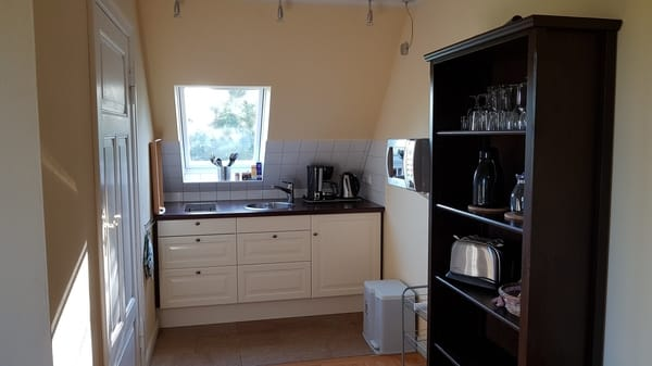Küchenzeile mit Kühlschrank (mit Tiefkühlfach)