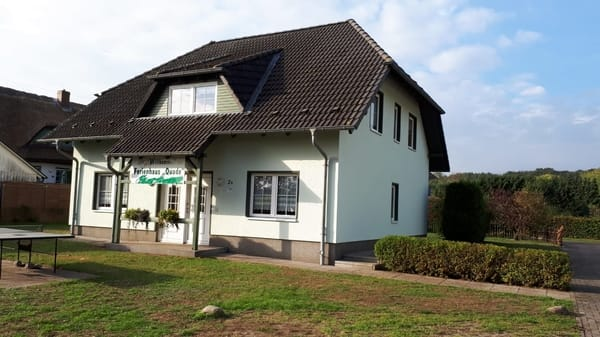 Ansicht Eingang unserer Ferienwohnung in Pantow auf Rügen zwischen Zirkow und Binz