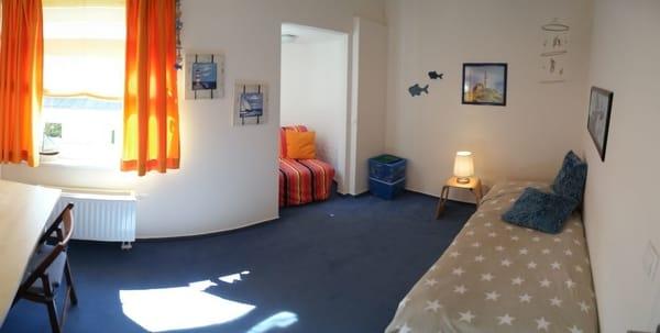 Kinderzimmer mit 2 Stapelbetten 90*200cm