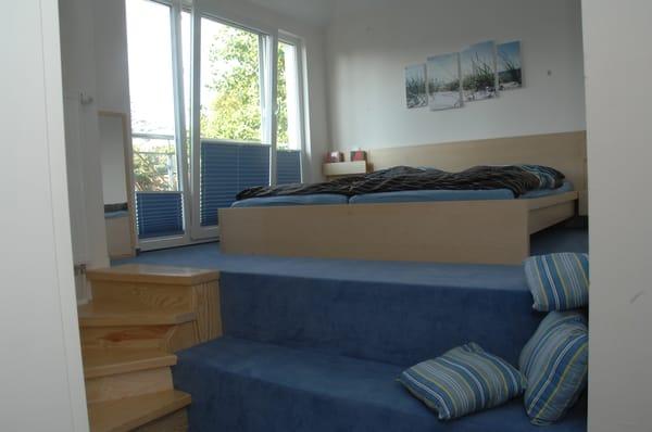 Podestzimmer mit Doppelbett 180*200cm