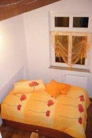 Kleines drittes Zimmer mit Einzelbett