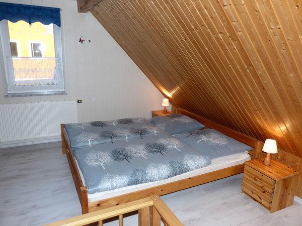 Elternschlafzimmer mit Ehebett