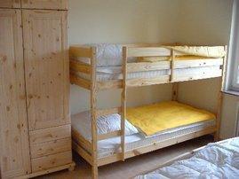 Schlafzimmer mit Doppelbett/Doppelstockbett