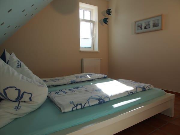 Romantisches Schlafzimmer mit Sternenhimmel