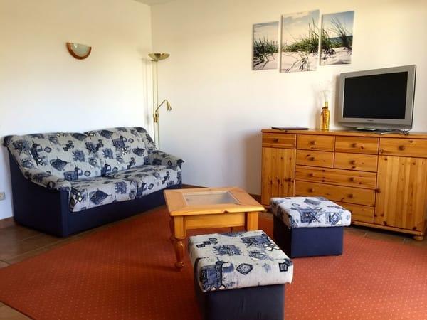 Wohnzimmer - Couch ausziehbar