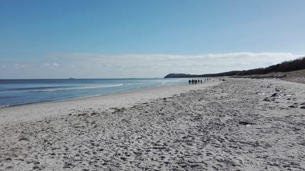 "Blick vom Strand zum ""Südperd"" und Lotsenberg"