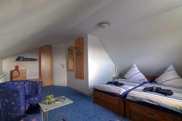 Ihr zweites Schlafzimmer aus anderer Perspektive