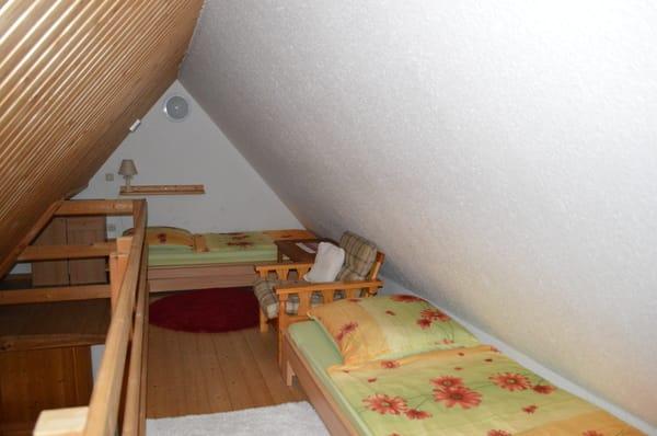 Galerie mit 2 Schlafgelegenheiten