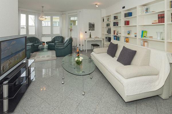 Bis 3 personen 68 qm großes wohnzimmer mit küchenzeile schlafzimmer 2 terrassen küchenzeile wc und dusche