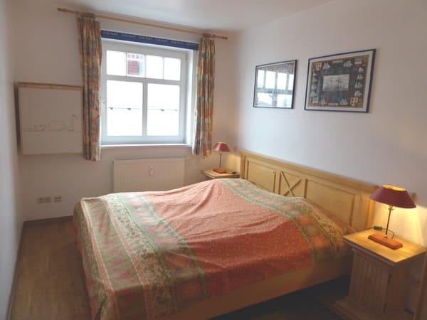 Gr. Schlafzimmer mit DB 180 x 200 Ansicht 1