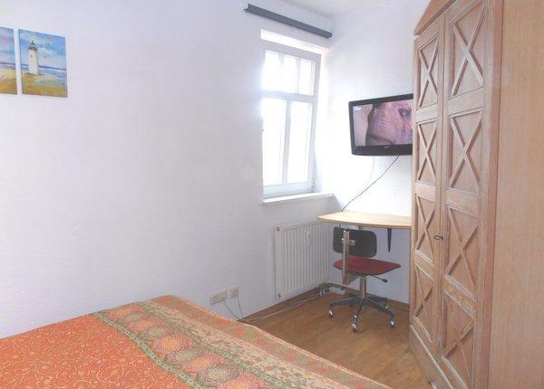 Schlafzimmer 2 mit Doppelbett 160 x 200