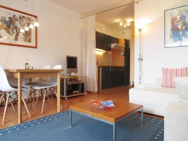Wohnbereich & Küchenzeile