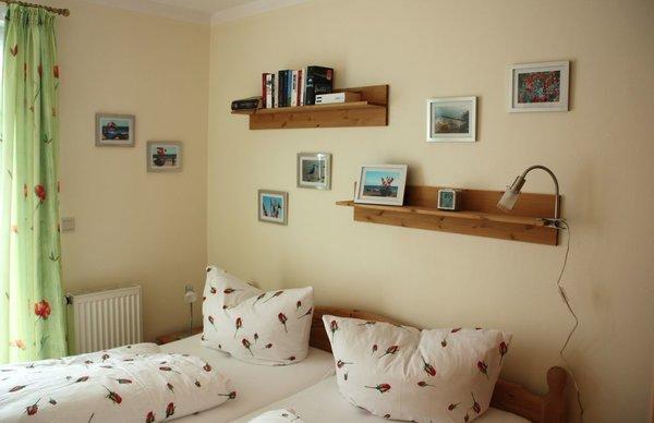 Schlafzimmer mit Bett 180x200 cm
