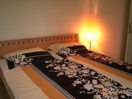 eines der zwei Schlafzimmer