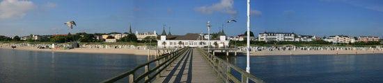 Blick zum Strand von der historischen Seebrücke Ahlbeck