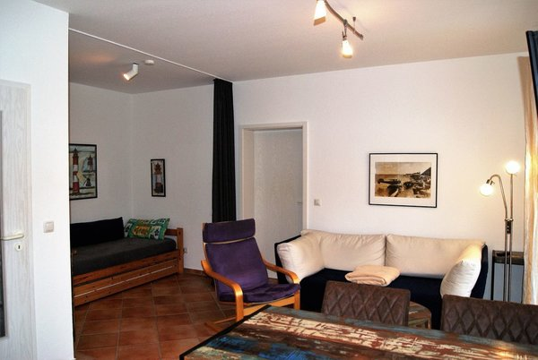 die Sitzgruppe in der Whg 09; die Bezüge der Couch sind abnehmbar und waschbar