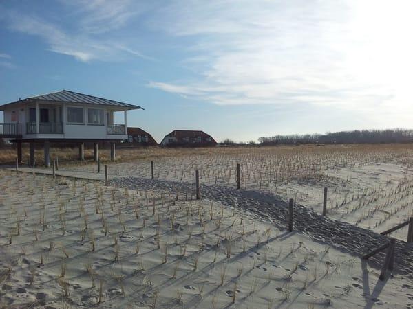 Der Strand von Rerik mit seiner nahegelegenen Promenade, Eiscafes und kleinen Shops lädt zum Baden, Sonnen oder Spazieren ein.