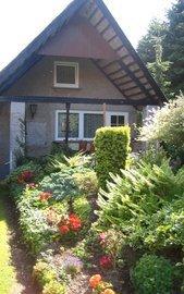 Terrasse mit Blick in den Garten