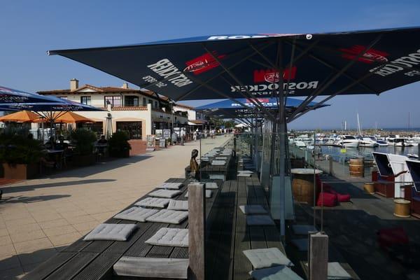 Promenade am Yachthafen