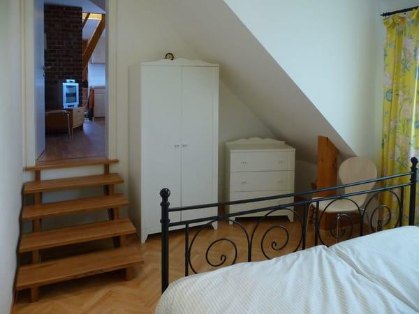 Blick vom Schlafzimmer Richtung Wohnbereich