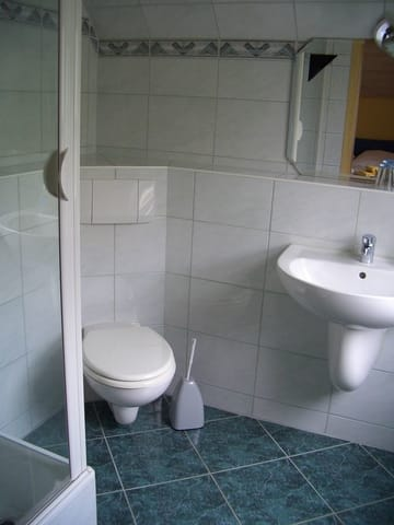 Bad im Dachgeschoss Wohnung 2