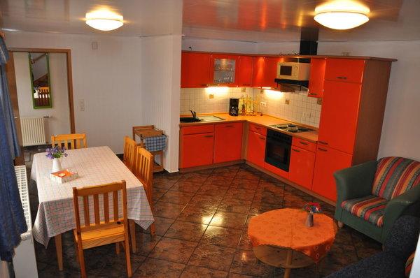 vollausgestattete Küche im Erdgeschoss Wohnung 2