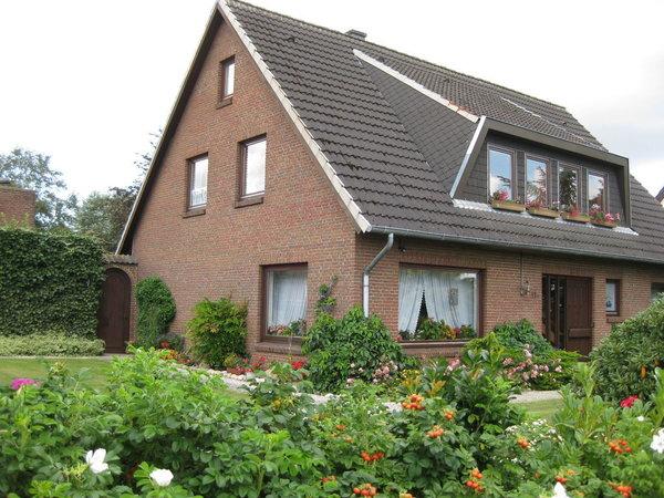 Unser Haus liegt direkt am Ostseeküstenradweg