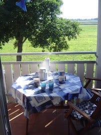"""Dieser """"Platz an der Sonne""""  lädt Sie morgens zum Frühstück ein - und bietet ebenso einen romantischen Ausklang des Tages"""