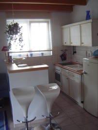 Unsere Küchenecke verfügt über alle Elektrogeräte, die Sie von zu Hause gewohnt sein dürften (4-Pl.-Ceranfeld, Backofen, Mikrowelle, Spülmasch. ...