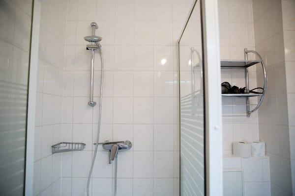 große Dusche (90x90)