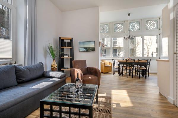 Komfortable Behaglichkeit bestimmt das Wohndesign.