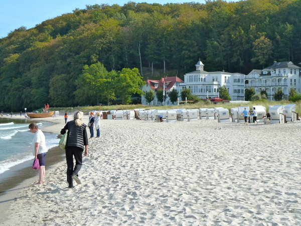 Die Villa Agnes liegt direkt am Meer.