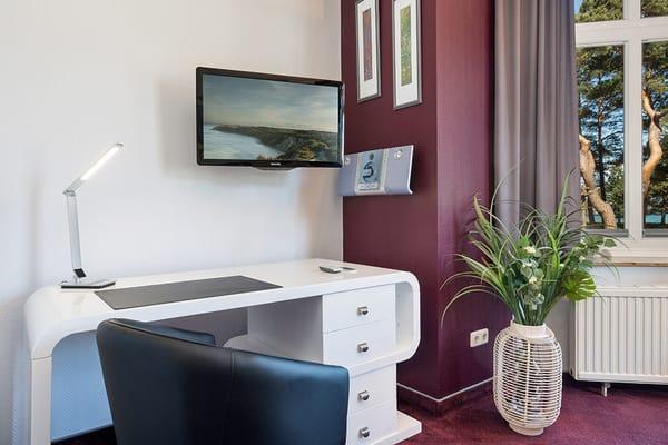 Flat-TV und HiFi-Anlage sind vorhanden. WLAN steht kostenfrei zur Verfügung.