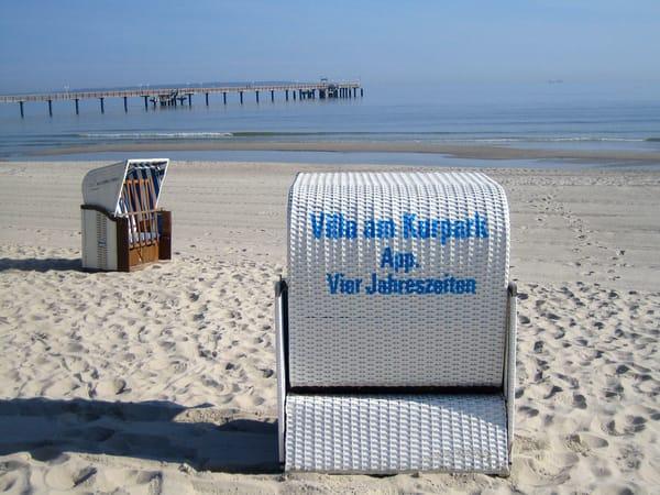 Zur Ferienwohnung gehört von Mai-September ein kostenfreier Strandkorb am nächsten Strandabschnitt.