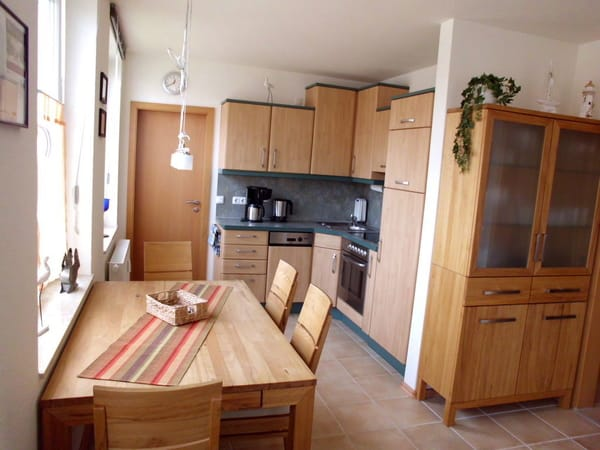 Küche mit Spülmaschine kpl. Ausgestattet