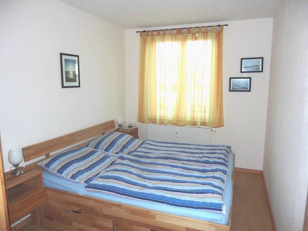 Schlafzimmer 2 mit  Kleiderschrank