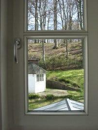 Blick in den Garten und zum Wald (D304)