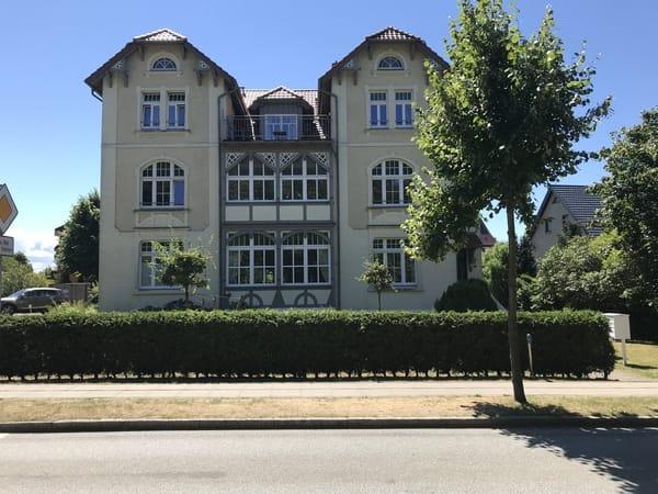 Villa Glückauf, Wohnung 1 im Hochpaterre