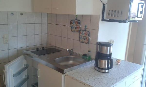 Miniküche mit Mikrowelle...