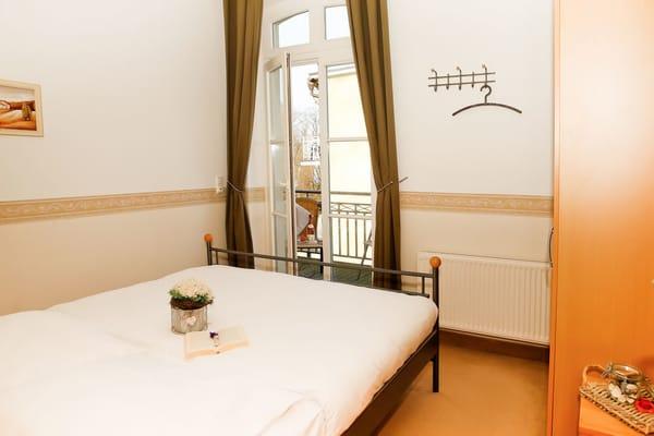 Schlafzimmer einschließlich Balkon zur Nordseite