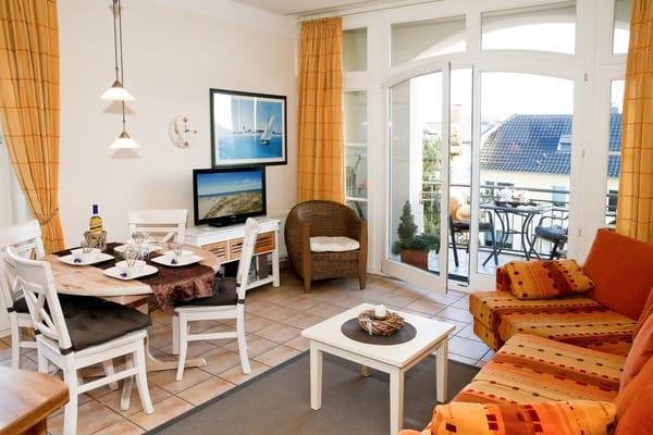 Der kombinierte Wohnbereich bietet genügend Platz für die ganze Familie.