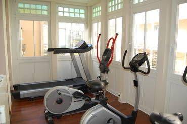 Die Geräte im Fitnessraum stehen zur freien Verfügung.