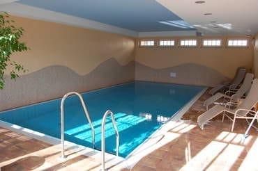 Schwimmbad, das jederzeit kostenfrei zu nutzen ist.