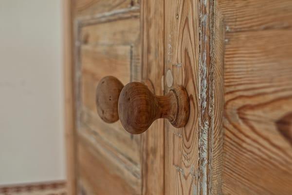 Trotz alter Türen keine Motten im Kleiderschrank - Ferienwohnung 2 - Villa Amelie - Binz auf Rügen