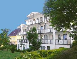 Rückansicht der Villa Linde