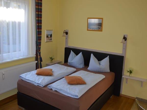 Doppelbett (Liegemaße: 160 cm x 200 cm)