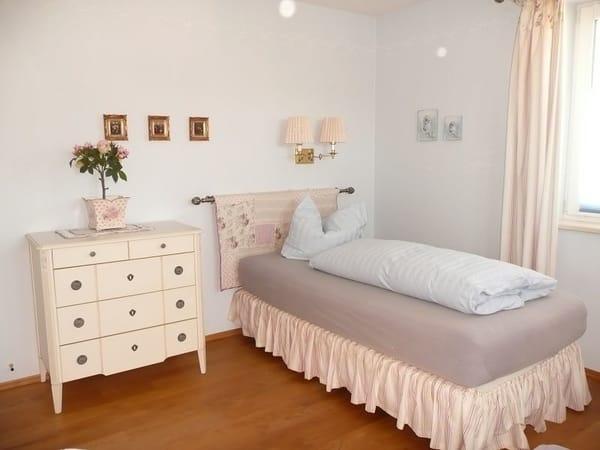 Bett im 2. Schlafzimmer