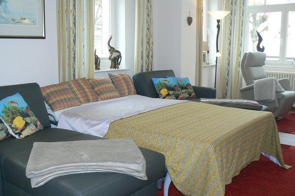 Das hochwertige Leder-Sofa mit vollwertigen Schlaffunktion für die 5. und 6. Person in den Maßen 1,40m x 2,00m