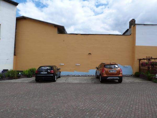 Parkplätze im Innenhof 1